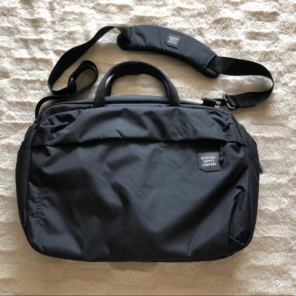 50cbd33f257 Herschel Supply Company Other - Herschel Britannia Convertible Messenger Bag